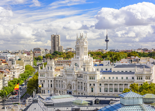 Spoed Fotobehang Madrid Cybele Palace and Cityscape of Madrid, Spain