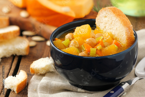 Healthy vegetarian pumpkin and chickpea soup - Buy this