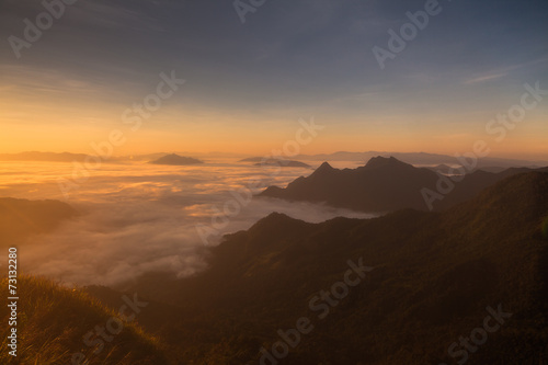 Papiers peints Arctique mountains under mist in the morning in Phuchifa chiang rai,Thail