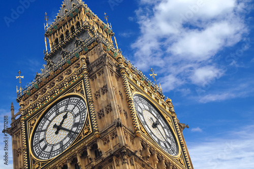 Foto op Canvas Londen The Big Ben close up on a blue sky, England United Kingdom