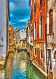 Piękny widok na kanał w Wenecji we Włoszech. Przetwarzanie HDR - 73171860