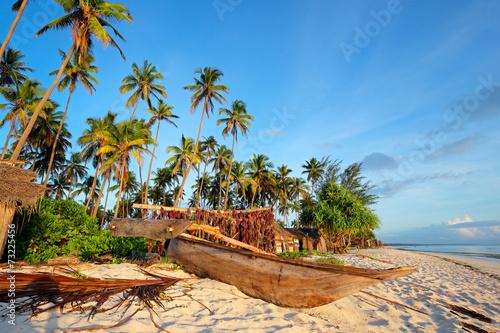 In de dag Zanzibar Tropical beach, Zanzibar island