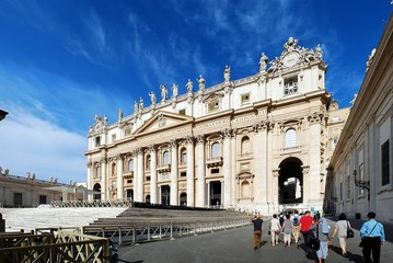 Fototapeta na wymiar The Papal Basilica of Saint Peter in the Vatican