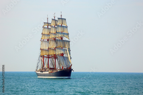 Deurstickers Schip old sailing ship in full sail