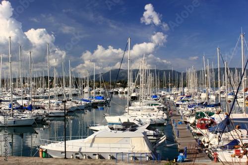Foto op Plexiglas Water Motor sporten Boats in a Marina