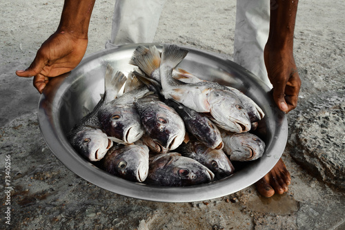 Foto op Plexiglas Caraïben fisherman shows his catch