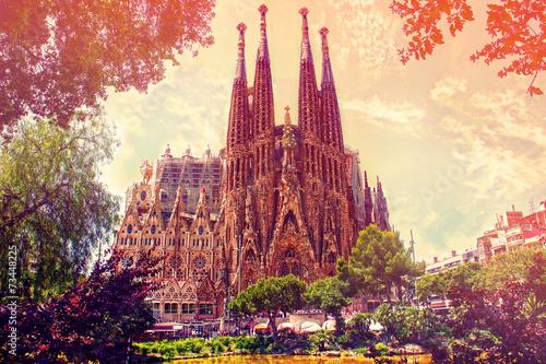 Papiers peints Barcelona Catholic church La Sagrada Familia by Antoni Gaudi, Barcelona