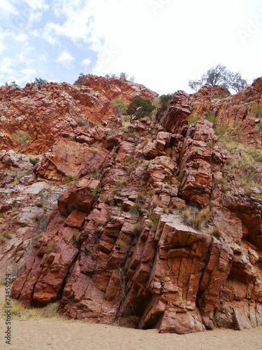 Photo  The emily gap in the East McDonnell ranges in australia