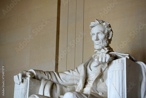фотография  Lincoln Statue in Lincoln Memorial, Washington DC