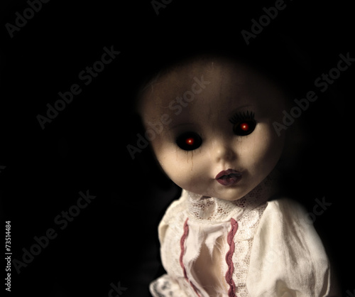 Photo Vintage spooky doll