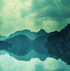 Fototapeta turkusowe jezioro