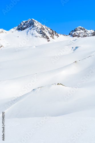 Foto op Plexiglas Alpinisme Snow covered mountains in winter ski resort of Pitztal, Austria
