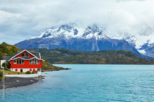 Fotografie, Obraz  Red house on Pehoe lake in Torres del Paine