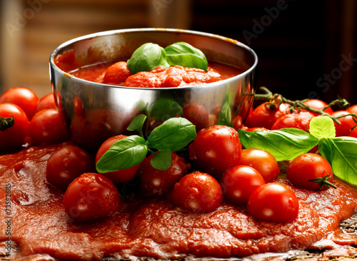 Cuadros en Lienzo salsa di pomodoro e basilico