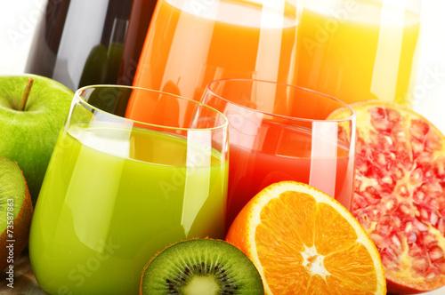 Fototapeta Glasses of assorted fruit juice. Detox diet obraz na płótnie