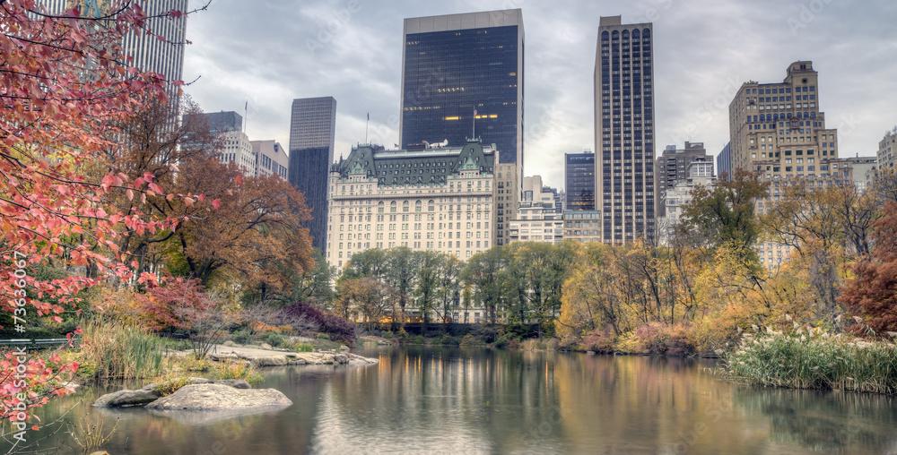 Fototapety, obrazy: Plaza hotel in autumn