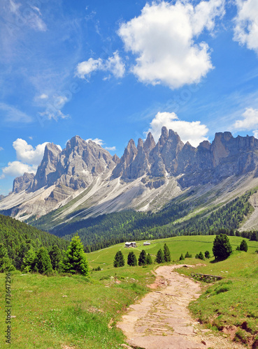 Foto  Mountain peaks in Alps
