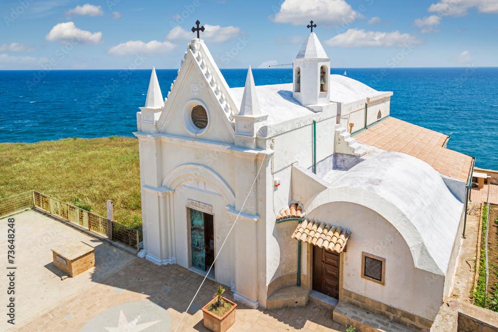 Fototapety, obrazy: White church at Capo Colonna, Calabria, Itlay