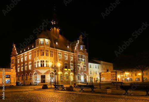 Papiers peints Con. ancienne Tarnowskie Góry town hall on night