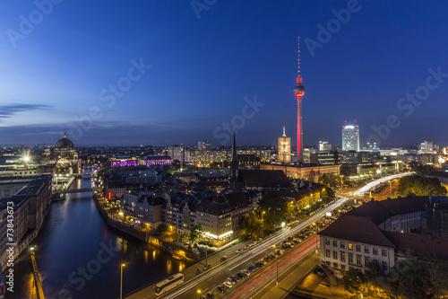Poster Berlin Berlin Skyline bei Nacht