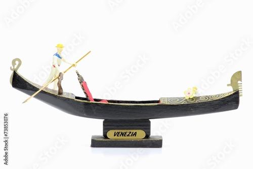 Spoed Foto op Canvas Gondolas Souvenirgondel aus Venedig isoliert auf weißem Hintergrund