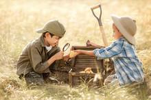 Little Treasure Hunters