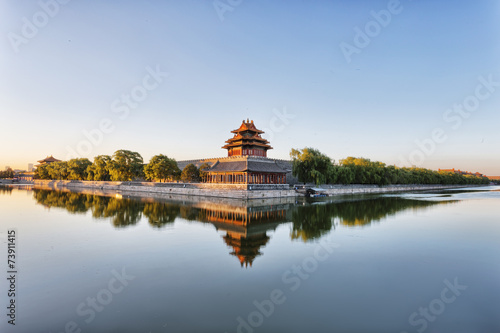 Autocollant pour porte Chine moat and watchtower of imperial palace in Beijign, china