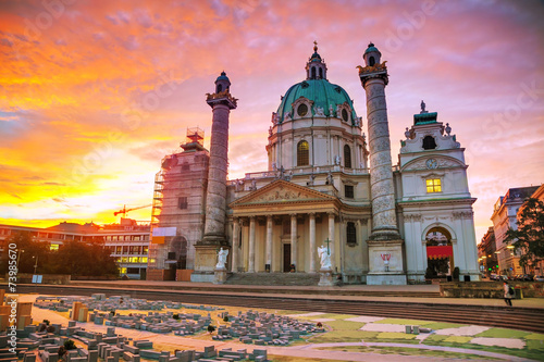 Photo sur Toile Vienne St. Charles's Church (Karlskirche) in Vienna, Austria