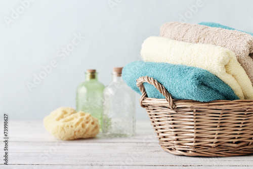 Vászonkép Bath towels and sponge