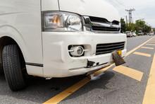 Body Of White Van Get Damaged ...