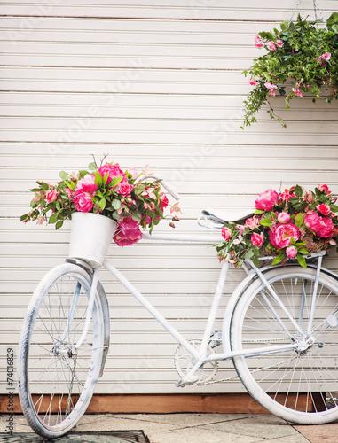 Foto op Plexiglas Old decorated bicycle