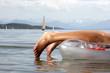 Frau auf Luftmatratze, Starnberger See