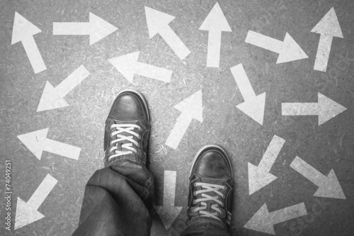 Fotografie, Obraz  Viele Pfeile - Entscheidung - in welche Richtung?