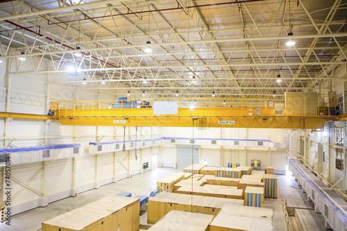 Photo  Factory overhead crane