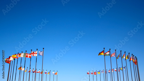 international flags against the sky Fototapete