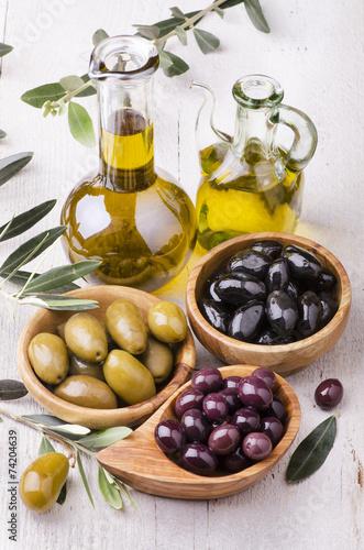oliwa-z-oliwek-z-bukietem-oliwek