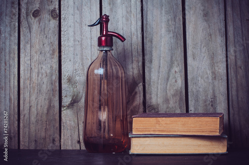 Photo  siphon and vintage books