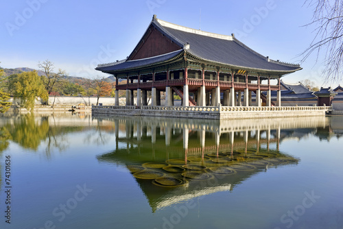 Stampa su Tela  Gyeonghoeru Pavilion, Gyeongbokgung Palace, Seoul Korea