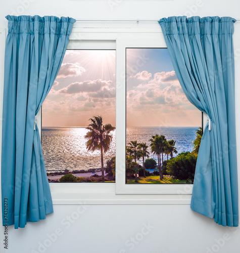 morze-zachod-slonca-z-okna