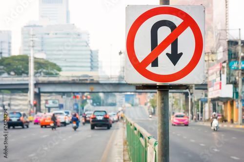 Fotografia No U-Turn traffic sign in Bangkok, Thailand