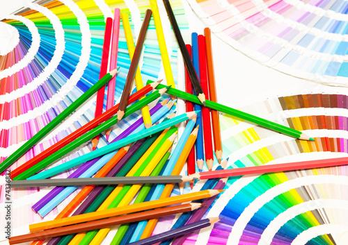Peinture Crayons De Couleur Pinceaux Nuancier Couleurs