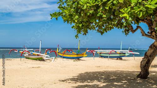 Foto op Plexiglas Indonesië beach in bali, three boats ready to sail