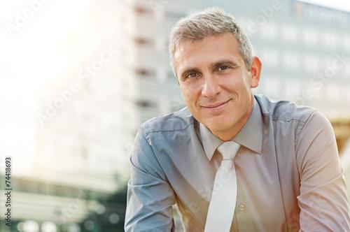 Fotografía  Satisfied Mature Businessman