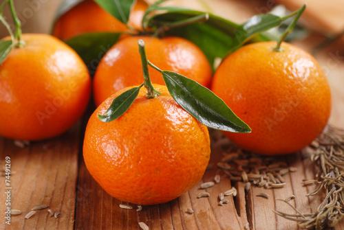 clementine biologiche sul tavolo di legno Tablou Canvas
