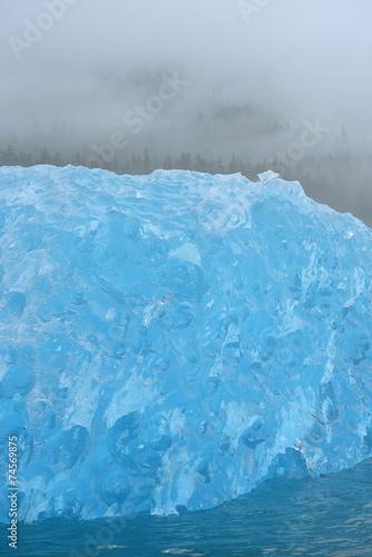 Foto auf Gartenposter Wasser blue iceberg