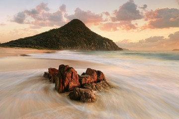 Turizam izlaska sunca na plaži Port Stephens Zenith
