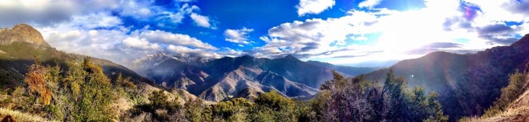 Široki panoramski pogled iz nacionalnog parka šuma sequoia