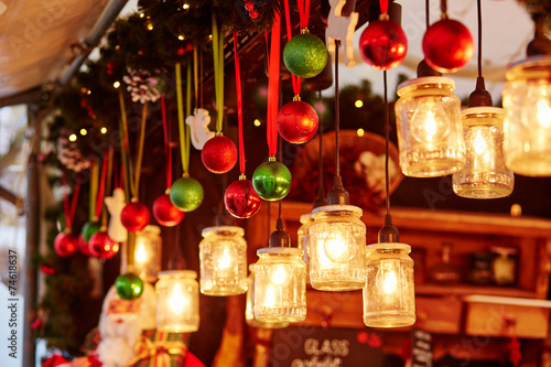 Foto op Plexiglas Kerstmis Decorations on a Parisian Christmas market