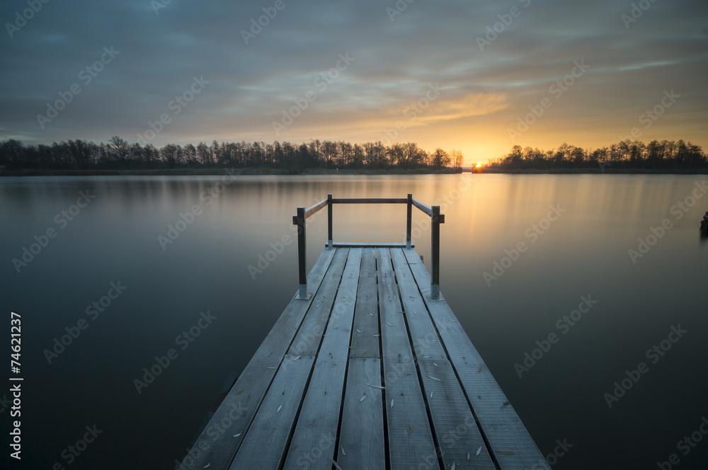 Fototapeta drewniany pomost nad rzeką