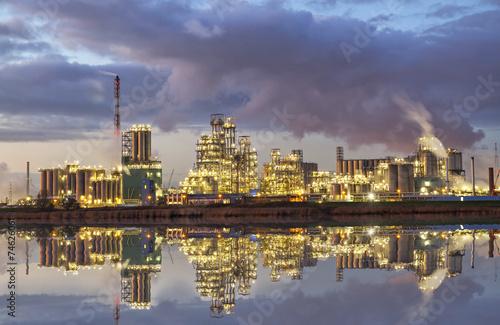 Poster Antwerp Factory in the industrial area of Antwerp in the evening